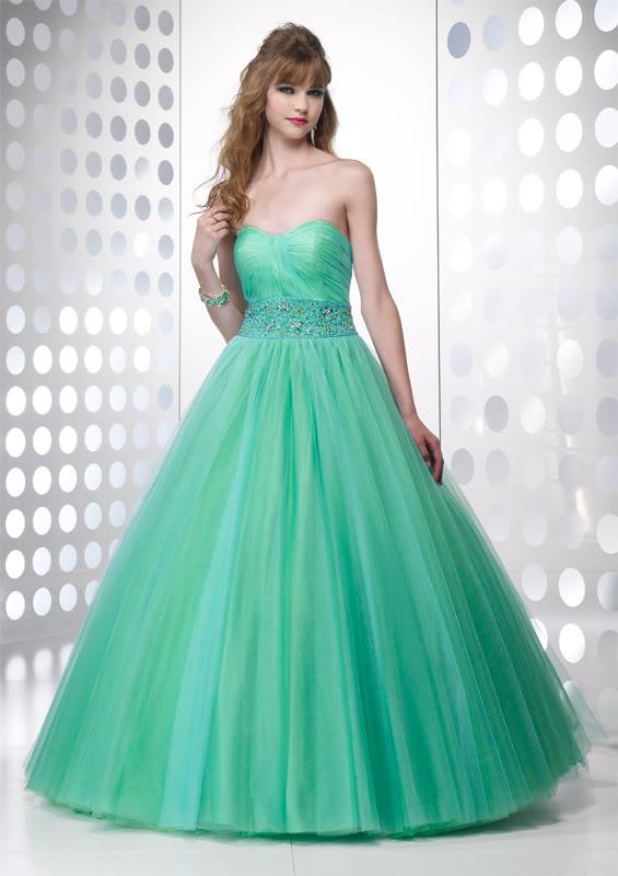plesové šaty Yvette 521 zelené na maturitní ples míru 2012 - plesové ... a0020b73c8
